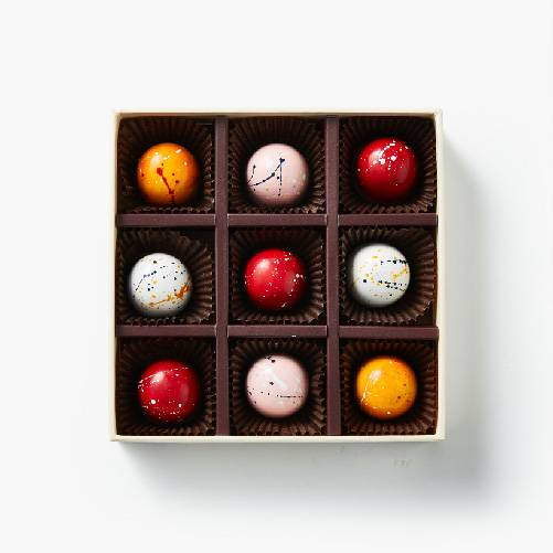 exquisite-filled-chocolate-gift-box